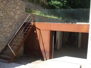 Escalera y entrada